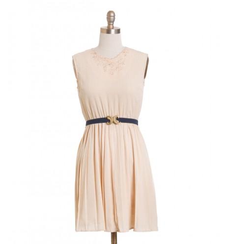 שמלת וינטג' פיצ'ס