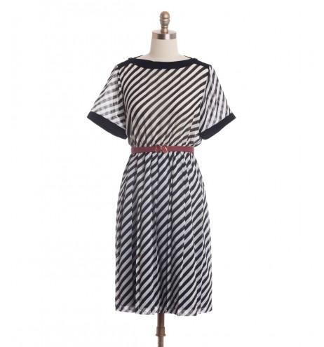 שמלת וינטג' אלכסונים